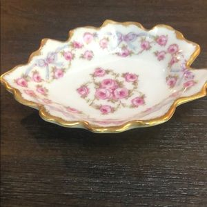 limoges Accents - Small antique Limoges gold leaf dish